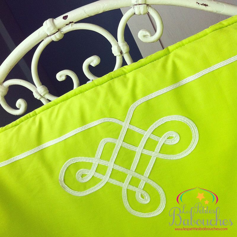 Sleeping bag and cot Gandoura green set for baby moroccan style - Ensemble gigoteuse et tour de lit inspiration marocaine Gandoura style vert anis