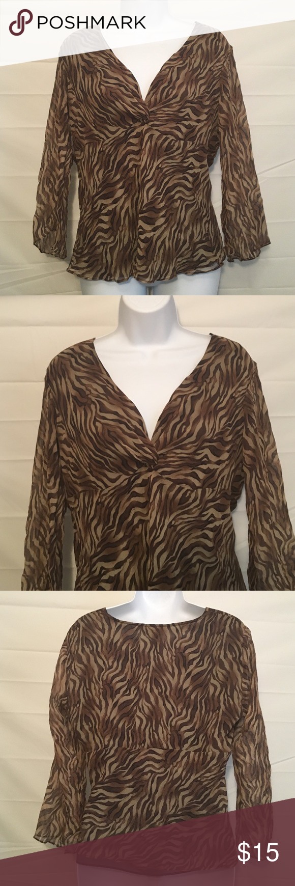 Allison Taylor Large Gorgeous Silk Top Allison Taylor she she Large 100% silk Gorgeous Blouse ....BUNDLE 4 or More SAVE 30%!!....FREE GIFT..Choose your free gift by either commenting on the gift or commenting on one of the items you purchased indicating which # gift you would like!! $$20 purchase or More ONLY!!! Allison Taylor Tops Blouses
