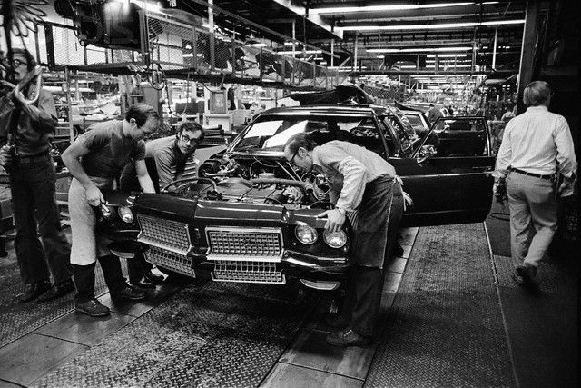 Lansing Car Dealerships >> Car Assembly Line in the Oldsmobile Factory -- My parents ...