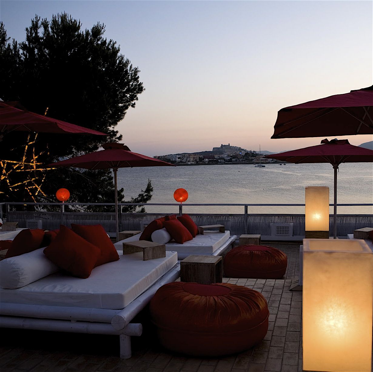 Restaurante Lounge Bar Sa Punta Ibiza Placer Culinario Sobre Las  ~ Cena Romantica En Santiago De Compostela