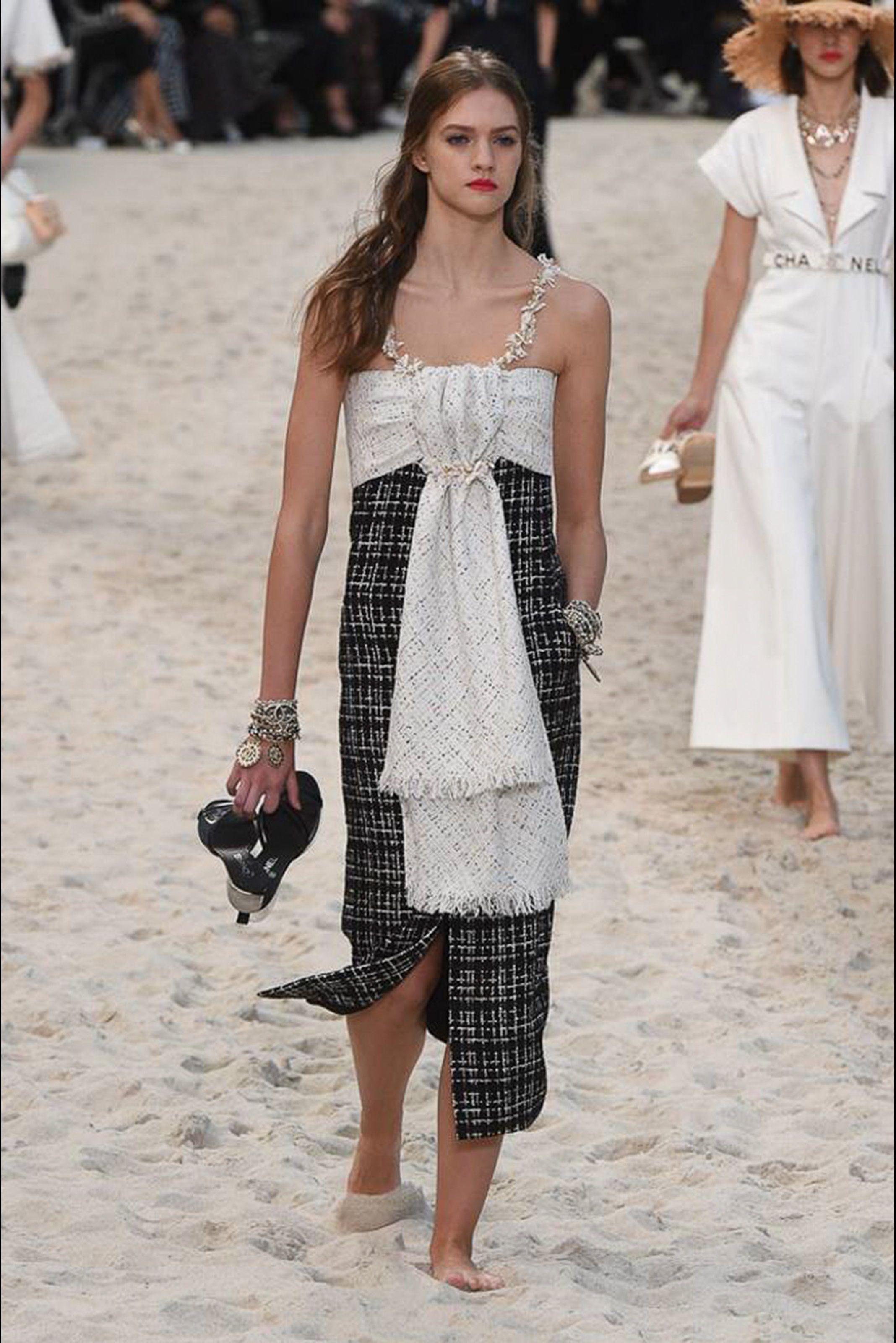 29d5c93043 Sfilata Chanel Parigi - Collezioni Primavera Estate 2019 - Vogue ...
