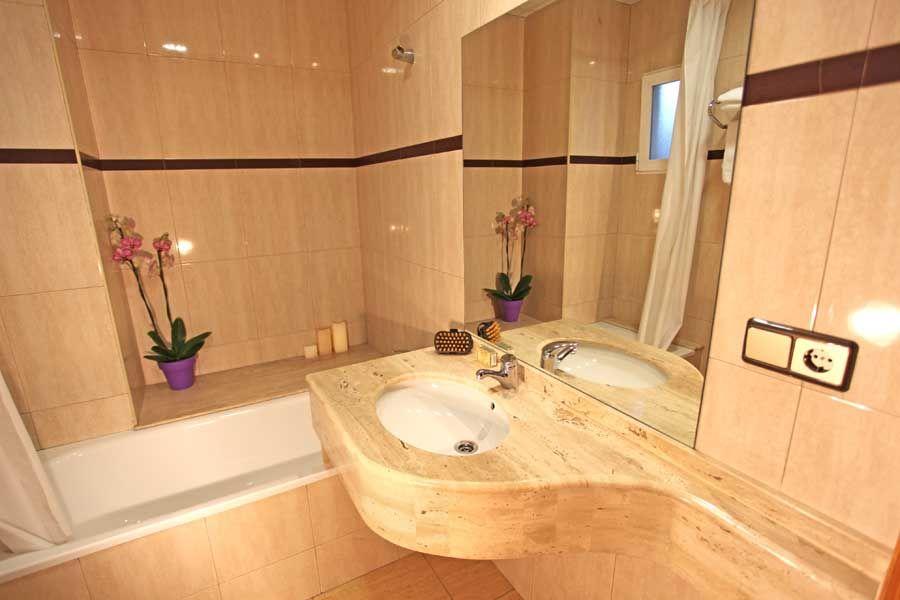 Cuarto de baño Habitación Doble: Nuestra habitación doble ...
