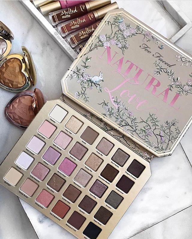 Essential Items For Your Make Up Bag Paletas de