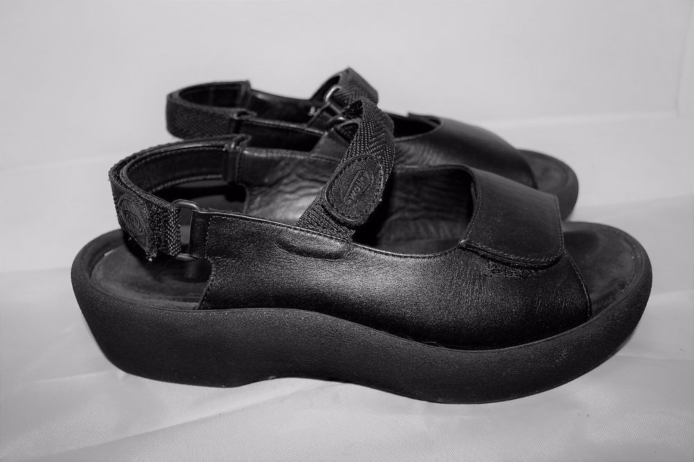 2e0bce11ae52 WOLKY EU 41 US 9.5-10 Jewel Black Comfort Ankle Strap Sandals  175