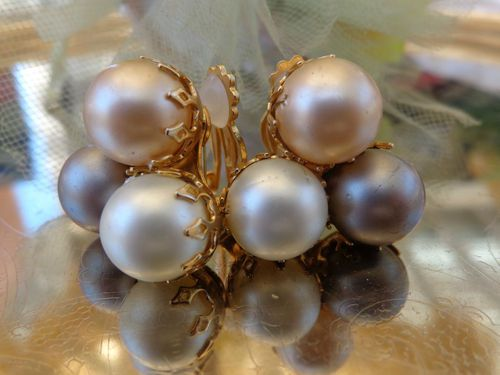 SOLD VINTAGE DESIGNER Miriam Haskell Style BIG Pearl Cluster Earrings Clip PAT PEND