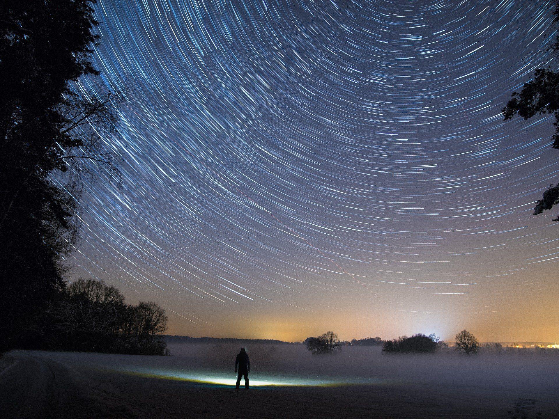 Découvrer de beaux paysages de nuit en musique Paysage