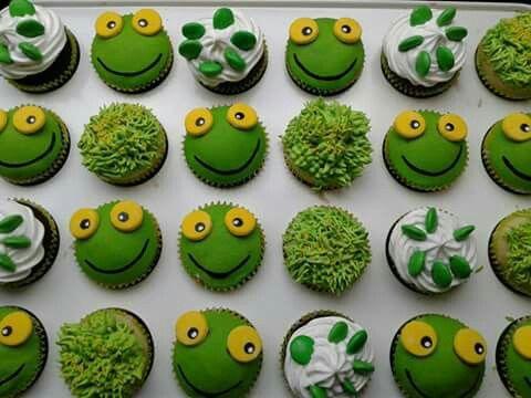 yo tengo un sapo que se llama pepe... minicupcakes de sapo pepe con deco de pasto! Hechos por Cupcakes&co. Argentina-Cordoba