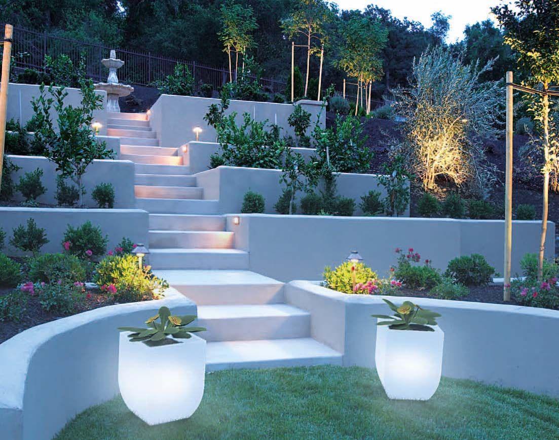 Giardini illuminati illuminati pinterest illuminati for Giardini arredo esterno