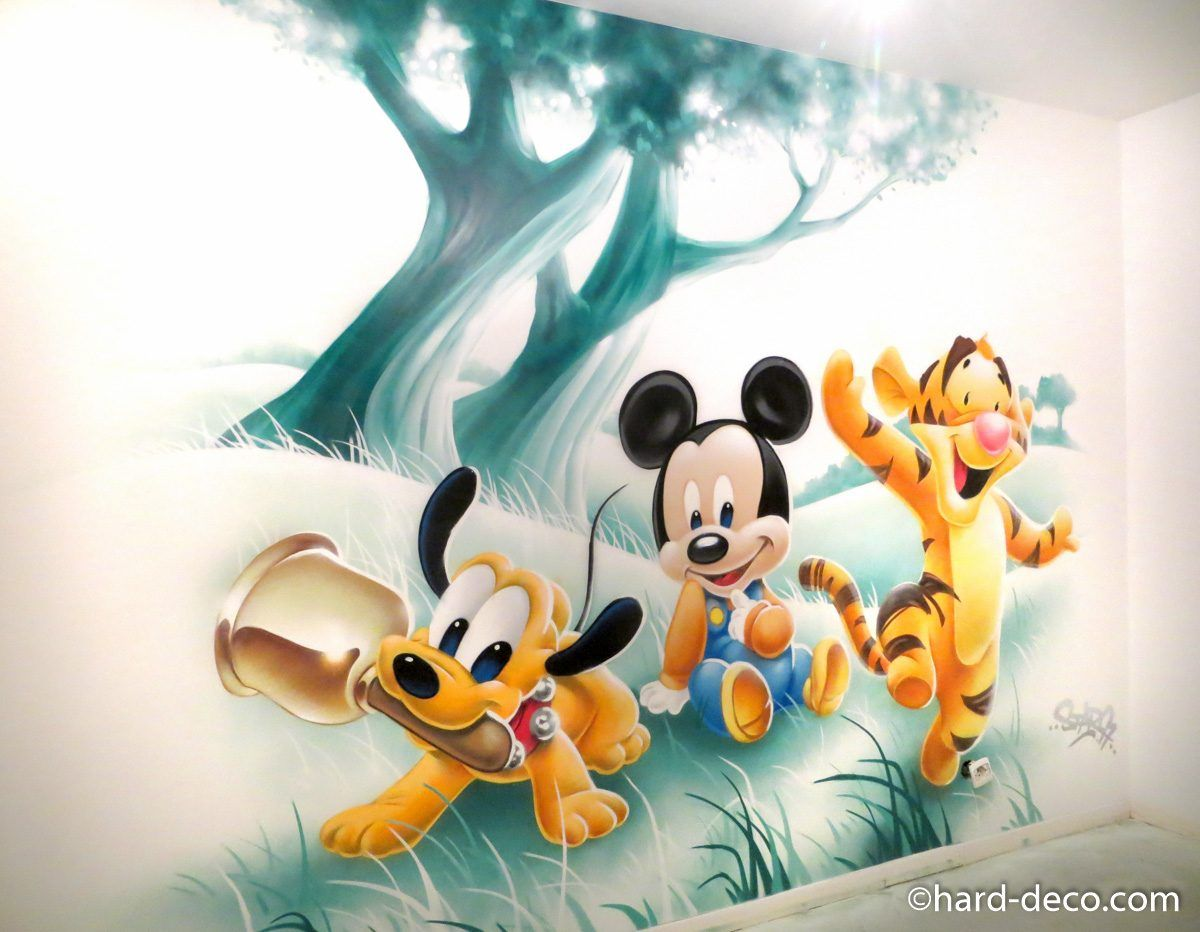 fresque murale graffiti chambre enfant bebes disney pluto mickey tigrou chambre d 39 enfant. Black Bedroom Furniture Sets. Home Design Ideas