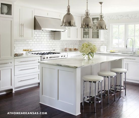 Floor To Ceiling Kitchen Cabinets: Classic Kitchen With Floor To