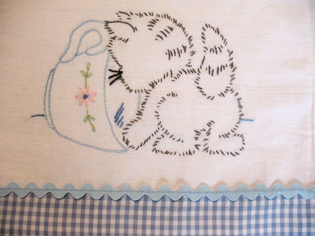 Kitten tea towel tea towels pinterest towels teas and kitten tea towel vintage embroidery patternsembroidery bankloansurffo Images