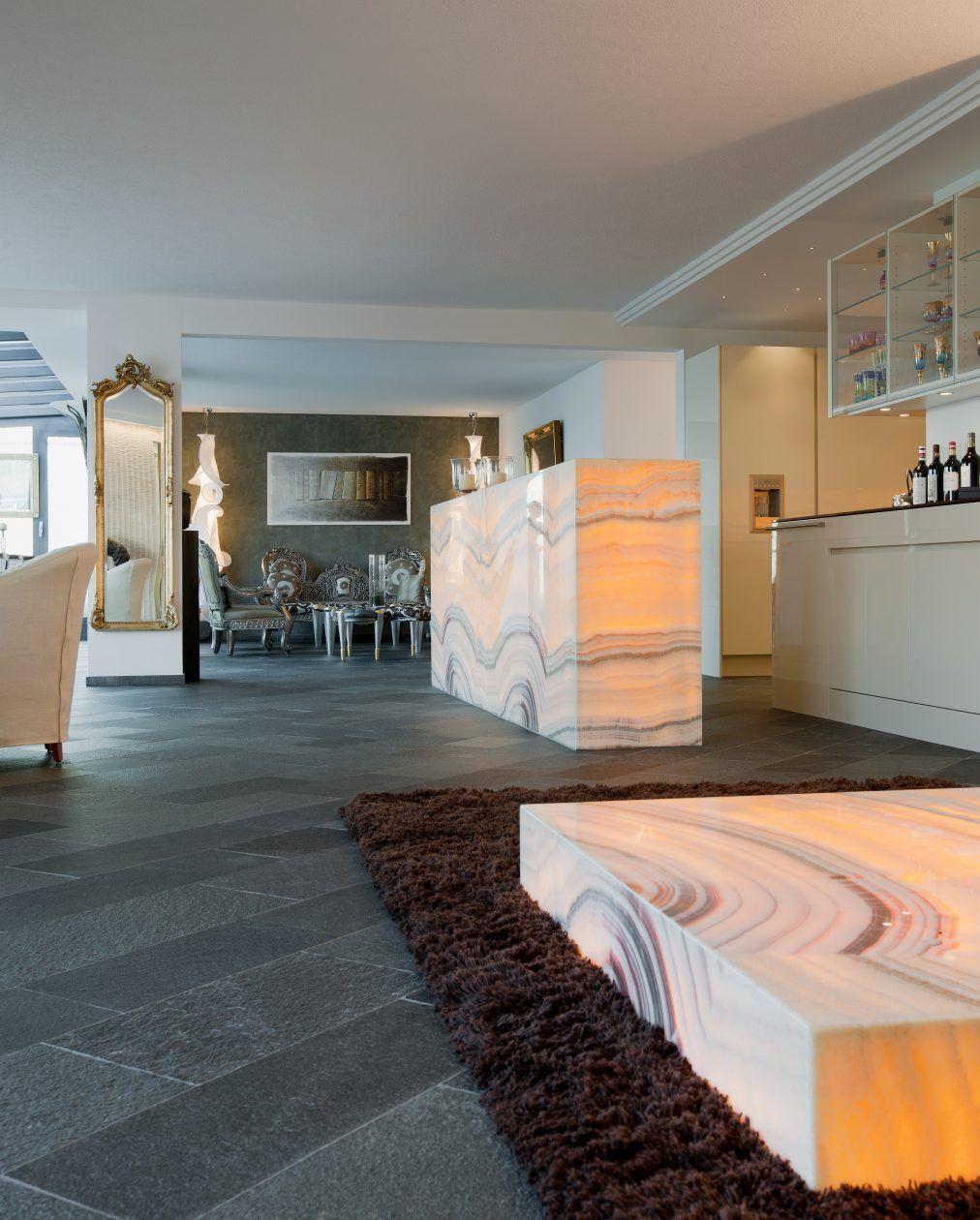 hinterleuchtete bar als lichtquelle zwischen k che und wohnzimmer k che pinterest k che. Black Bedroom Furniture Sets. Home Design Ideas