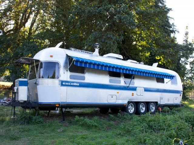 1989 34 Airstream Excella 1000 Airstream Vintage Travel Trailers Cool Rvs