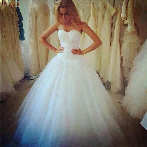 Love...prob one of my dream dresses. :/ | Wedding Ideas | Pinterest ...