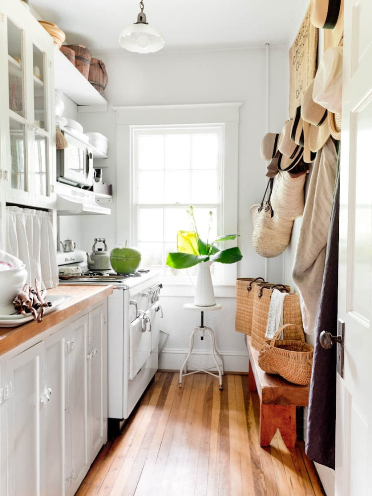 The Best Cleaning Hacks We Learned From Housekeepers on ...