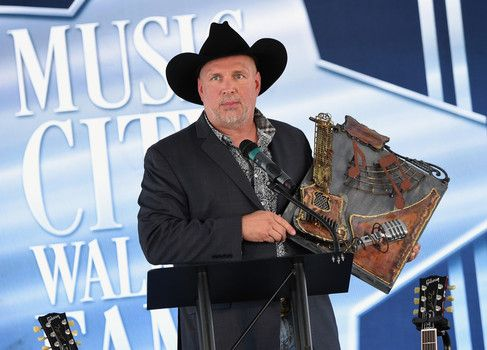 awesome Garth Brooks heads to Salt Lake City for Halloween Check more at http://worldnewss.net/garth-brooks-heads-to-salt-lake-city-for-halloween/