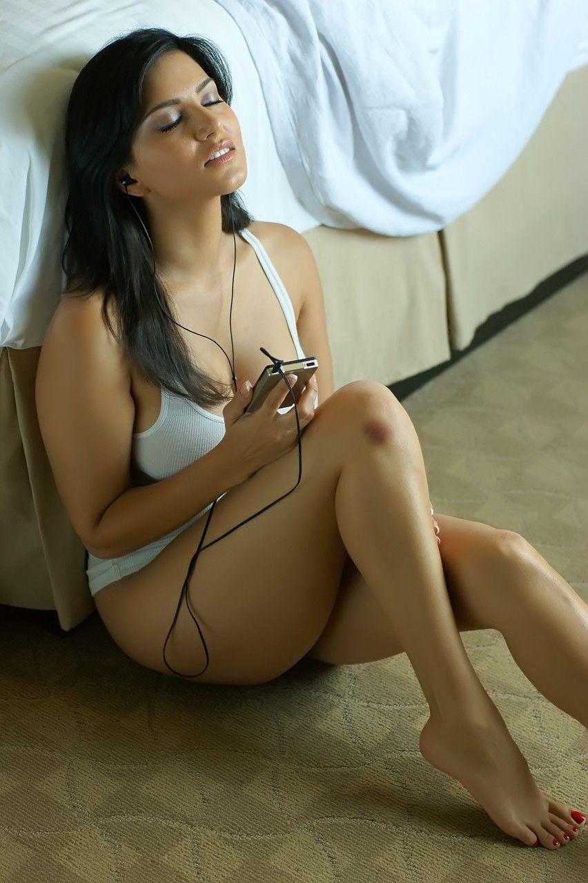 Brazilian hot topless girls