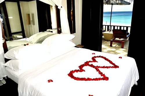 Romantic Valentines Day Design Ideas For Romantic Bedroom Decorations For  Special Moment