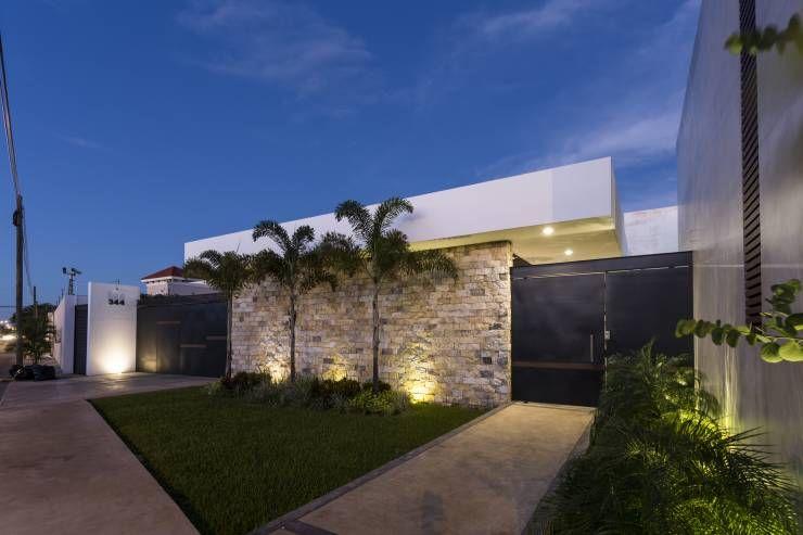 Resultado de imagen para casas con muros modernos for Fachadas de casas estilo moderno