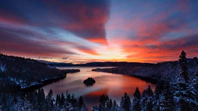 Early morning light over Emerald Bay, Lake Tahoe, California (© Don Smith/Getty Images) December 5, 2011