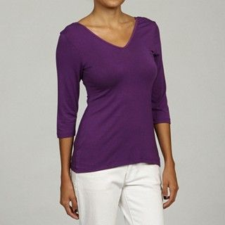I love that this is reversable, v-neck, scoop neck..