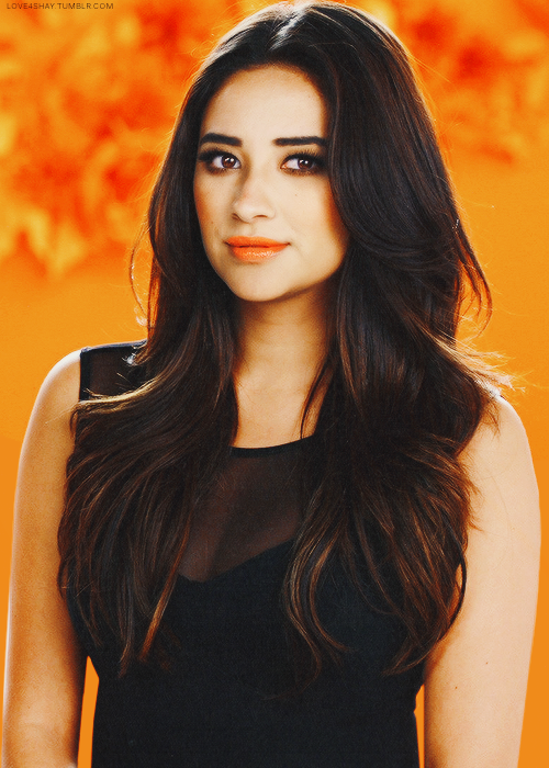 Shay Mitchell Pretty Little Liars S04 Photo Promotionnelles Hair Color Brown Chestnut Brown Hair Colors Shay Mitchell