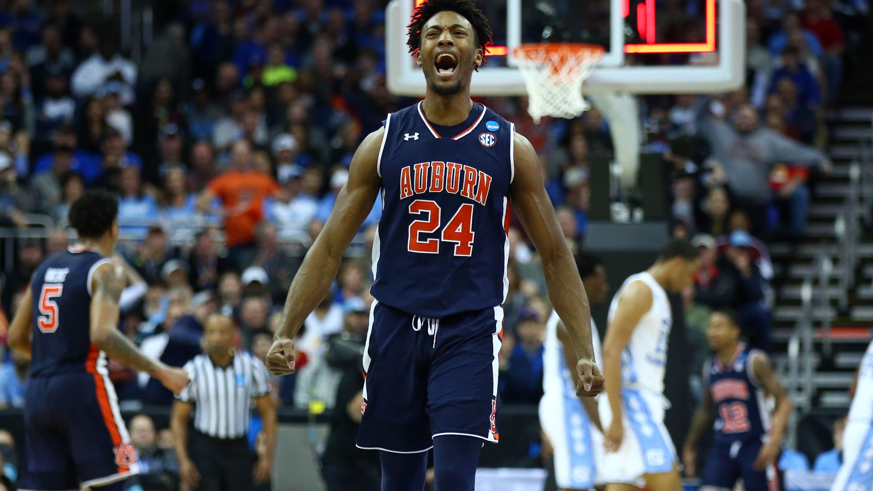 Fifth Seeded Auburn Blows Past Top Seeded North Carolina In
