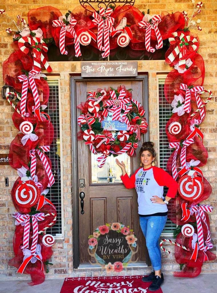 30+ Beautiful Christmas Front Door Decoration Ideas ...