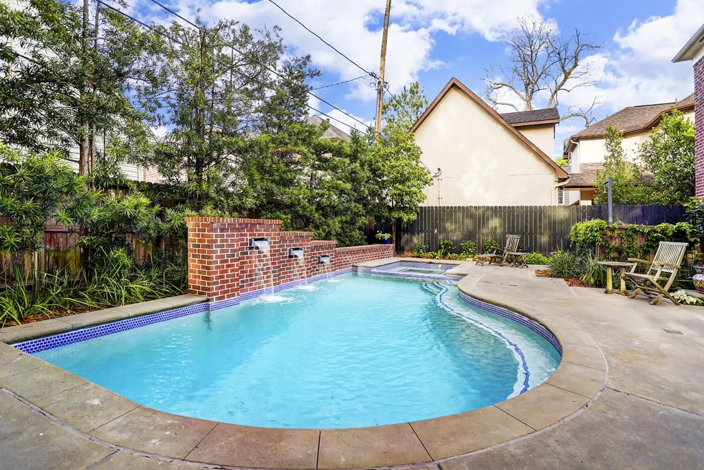 Heated Saline Pool And Surrounds Are Great For Entertaining And Family Four Ft High Jumping Platform At West University Place Water Walls Building A Pool