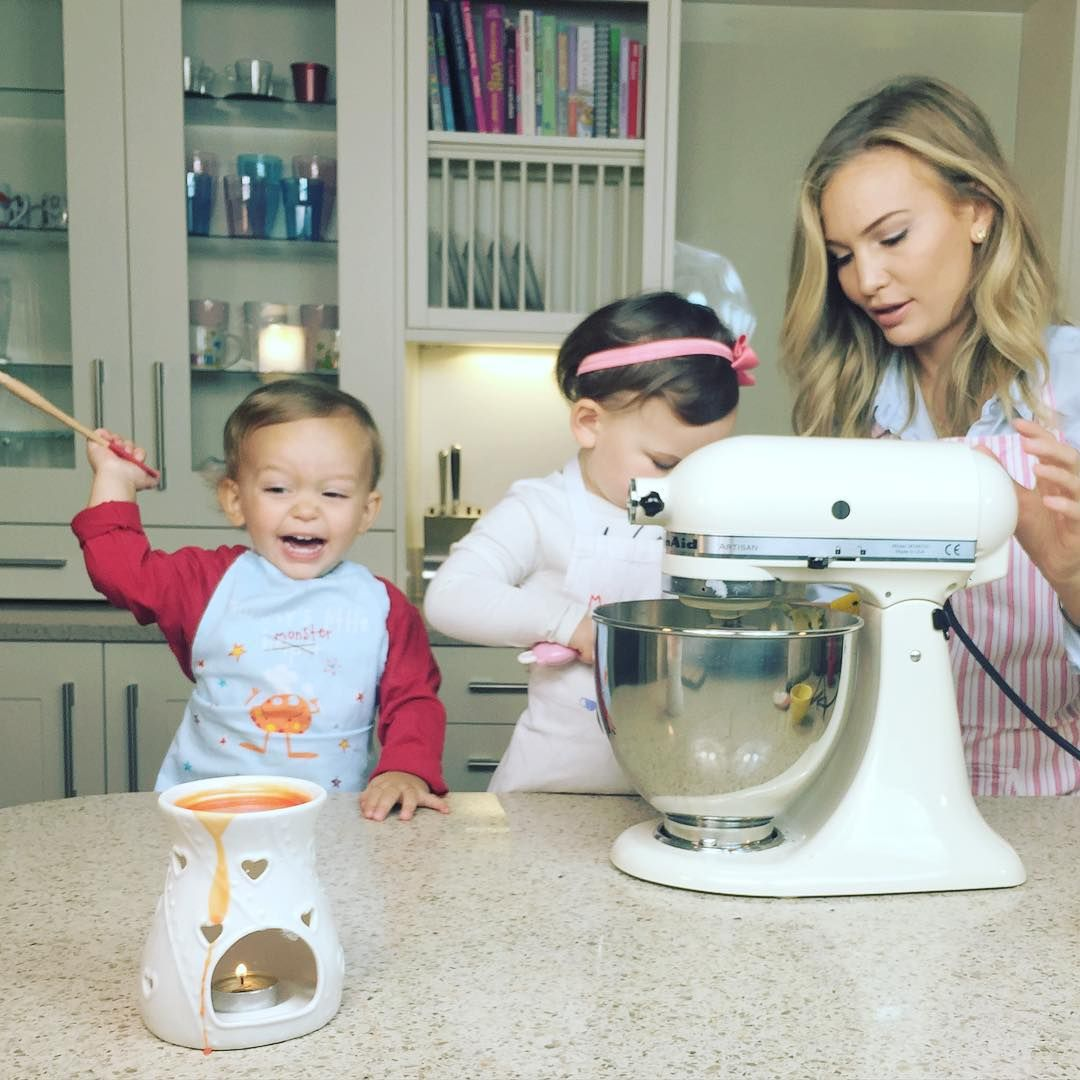 """""""While the mumseyeview baking series is on a break we thought we'd do some over on @annasaccone channel"""""""