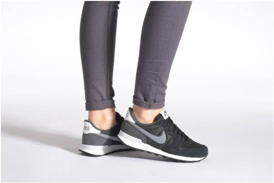 info for 1fdee 6a81a Baskets Wmns Internationalist Nike vue portées chaussures