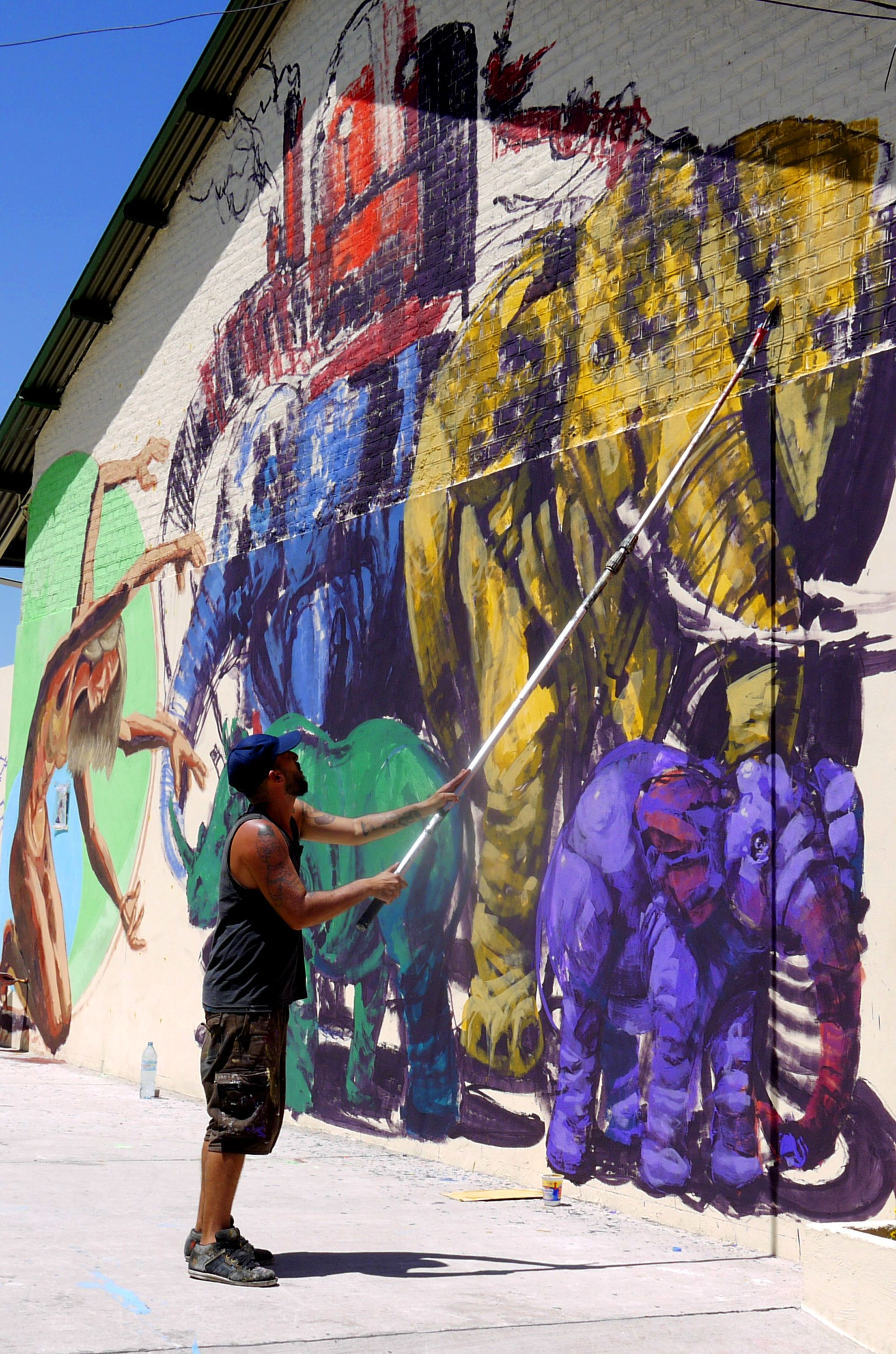 street art in process elephants street art pinterest street art street and graffiti. Black Bedroom Furniture Sets. Home Design Ideas