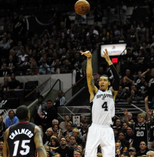 San Antonio Spurs Danny Green Red Hot From 3 Point Line Vs Miami Heat In Nba Finals San Antonio Spurs Spurs San Antonio