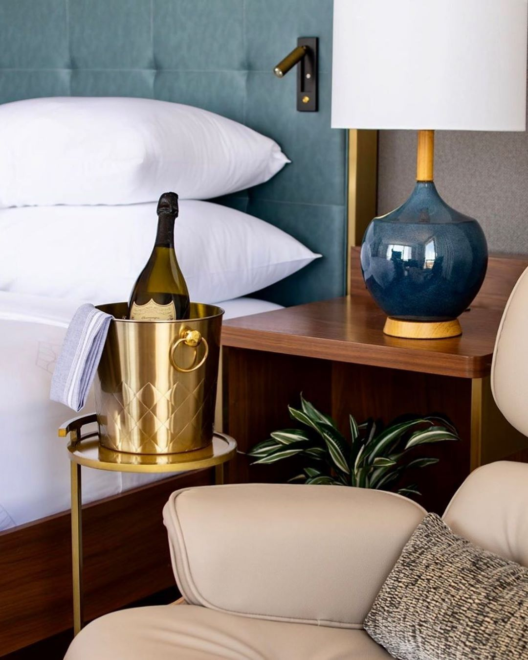 Rest in luxury with a glass of champagne with #BuyNowStayLater. Support Hotel Essex in Chicago by purchasing a hotel bond at a rate of $100 to use at a later date.  Photo by IG: hotel_essex  #travelsoon #wanderlusttravel #hoteldeals #hotelstay #travellinglife #travelenthusiast #adventureseekers