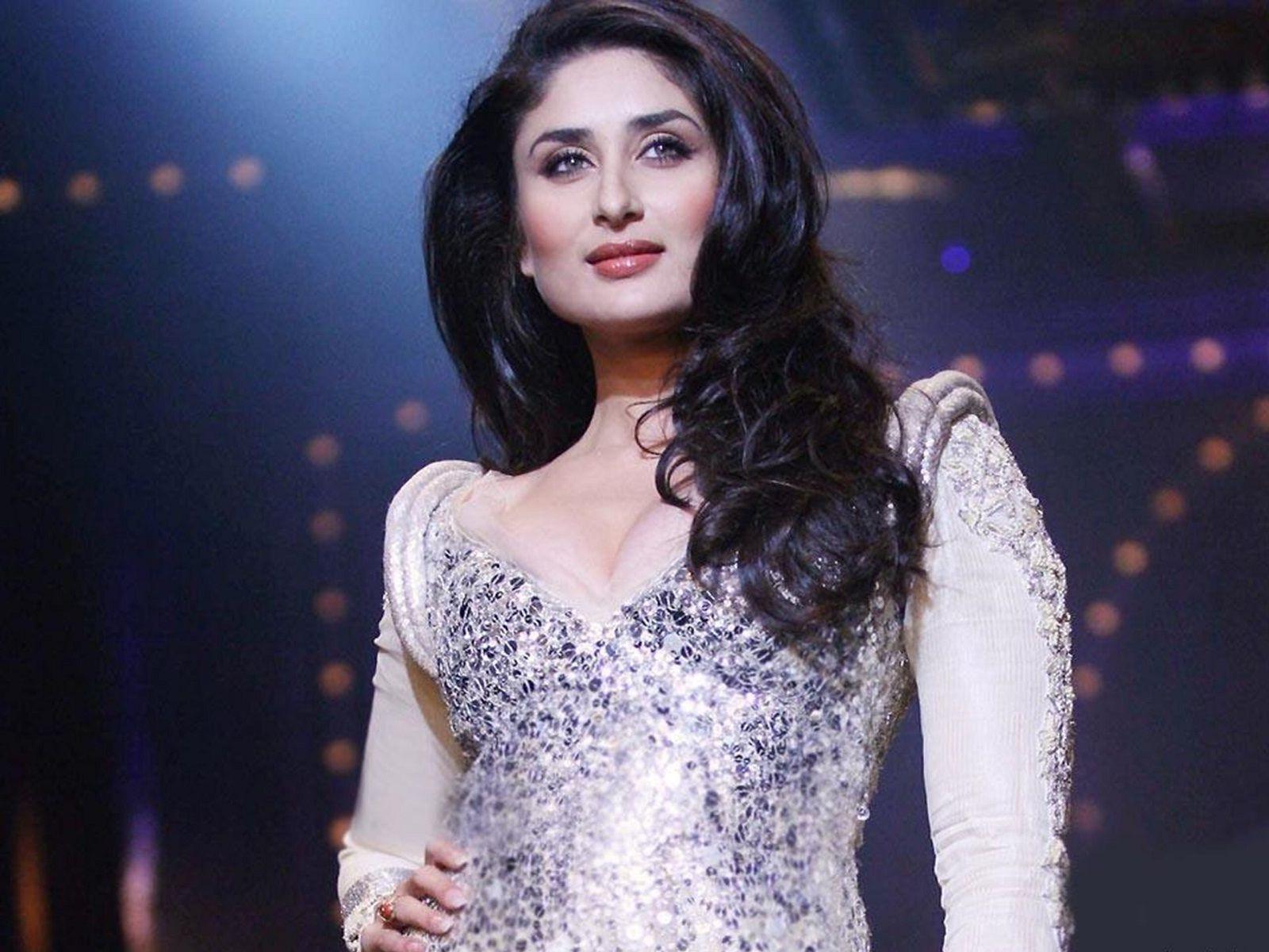 kareena kapoor wallpaper in heroine movie | kareena kapoor khan