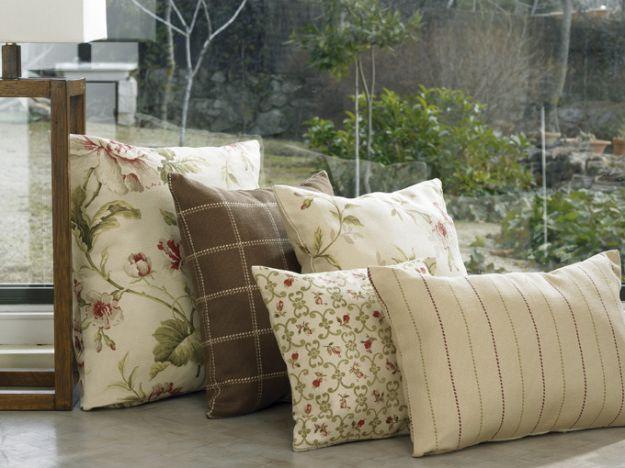 almohadones para sillones blancos buscar con google nuevo cuarto pinterest sillon blanco sillones y cmo hacer