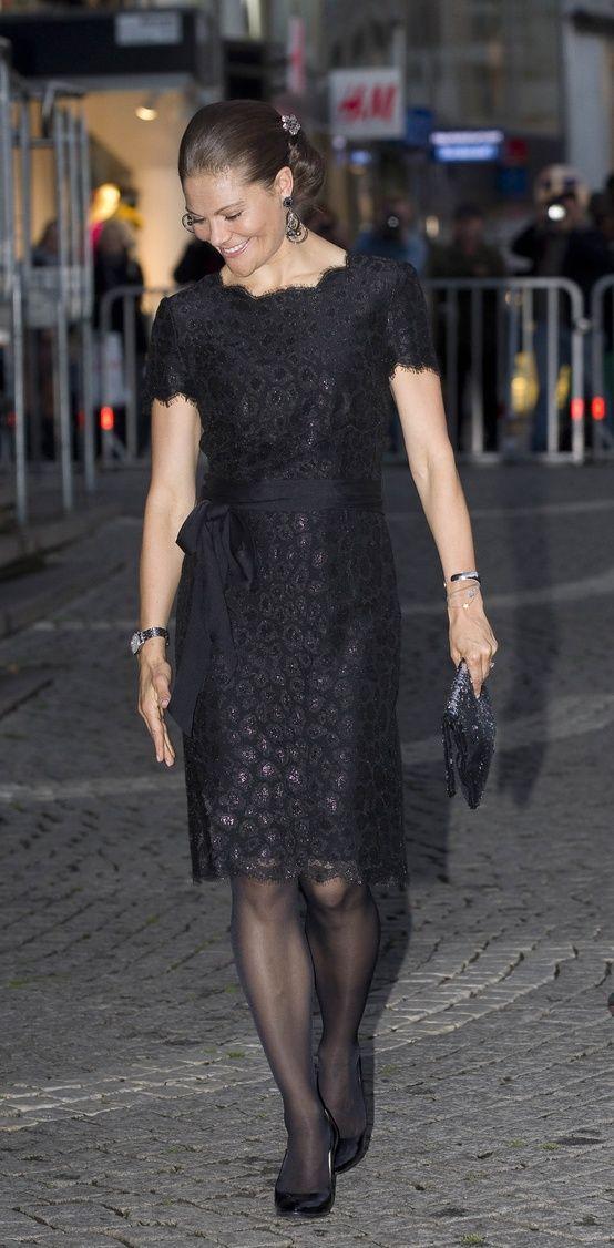 Musta pitsimekko, prinsessa Victoria
