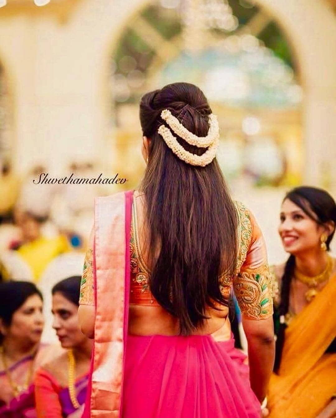 She Is Creating Style Statement In This Beautiful Pink Saree And The Simple Hair Style Is Beautiful Hair Styles Indian Bridal Hairstyles Indian Bride Hairstyle