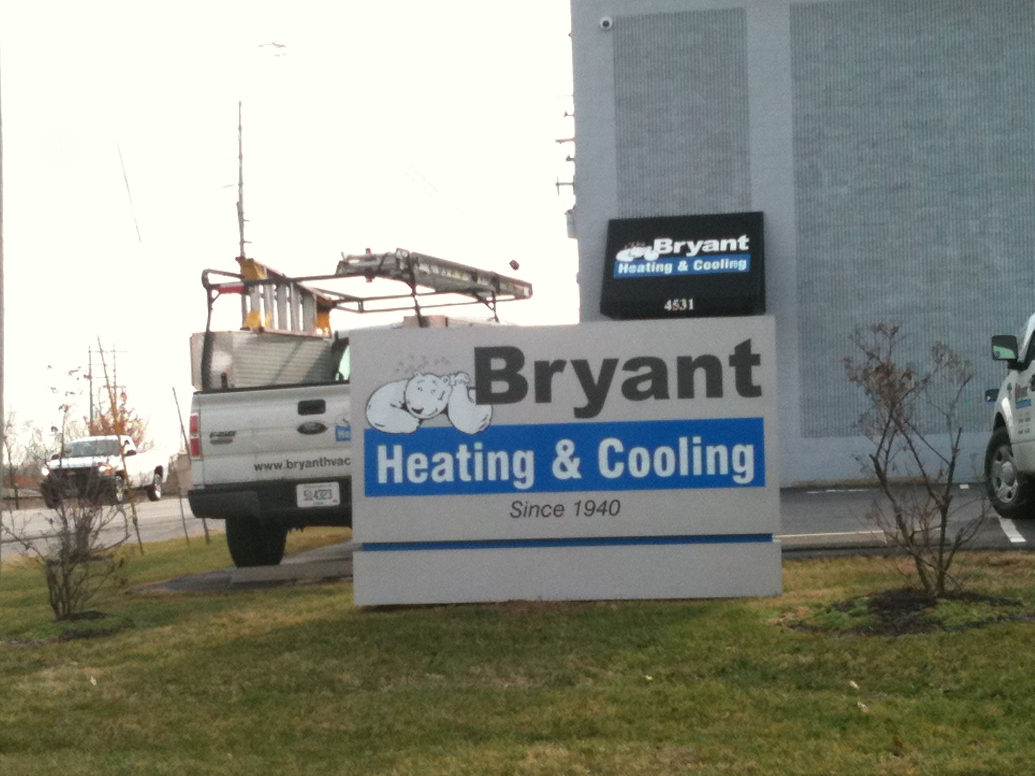 Bryant Heating Cooling Monument Sign Bryantheatingandcooling Commonwealthsign Businesssigns Monument Signs Monument Signs