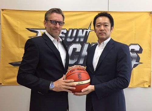 Basketball Manitoba Winnipeg Native Burke Toews Hired As New Hitachi Sunrockers Coach In Japan Pro Basketb Basketball Leagues Coach Of The Year Pro Basketball