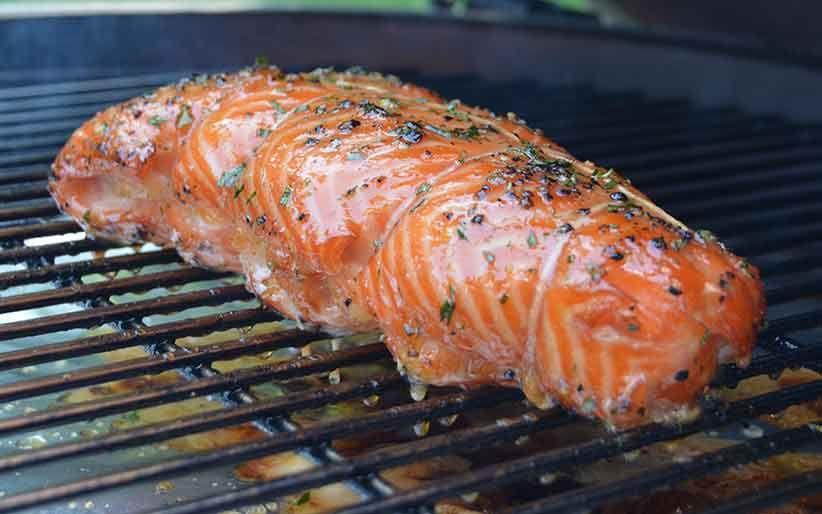 BigGreenEgg - Saumon fumé farcis aux crevettes nordiques - MaitreFumeur.com