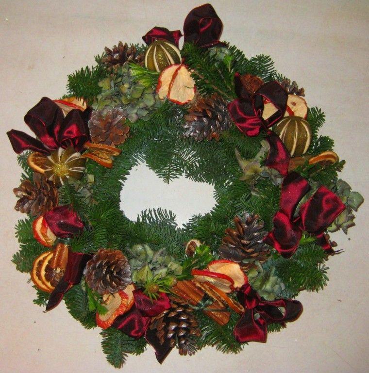 Guirnaldas con pi as y rodajas de frutas navidad2017 for Decoracion con pinas secas