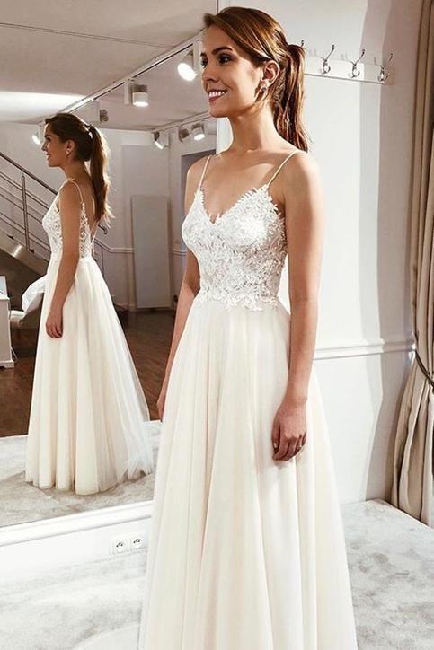 Elegant Spaghetti Straps Sleeveless Lace Appliques Wedding Dresses #spitzeapplique