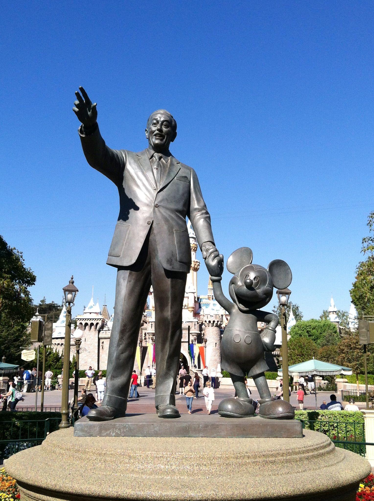 Walt Disney Statue Disneyland Disneyland Disney Statues Walt