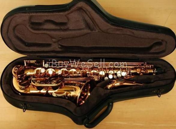 Tenor Saxophone, it is in perfect condition, not very used.