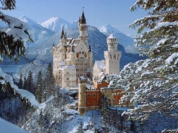 Schloss Neuschwanstein Near Fussen In Bavaria Germany