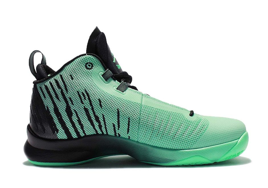 3addc5f99a3051 Blake Griffin s Jordan Super.Fly 5 To Release In