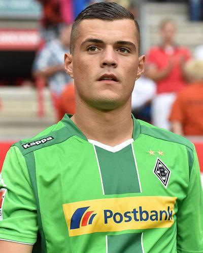 Spielerfoto Von Granit Xhaka 1 Borussia Monchengladbach Pinterest