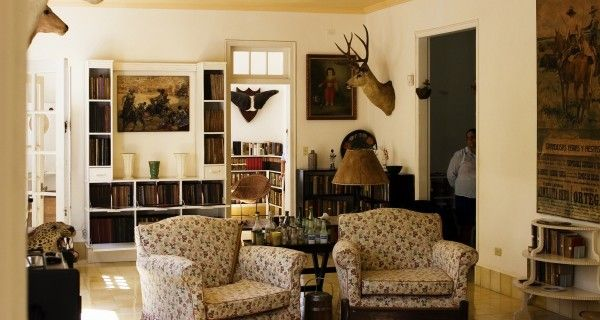 Living Room Modern Vintage Living Room African Living Room Decor Wood Card  Table And Chairs SetLiving Room Modern Vintage Living Room African Living Room Decor  . African Living Room Furniture. Home Design Ideas