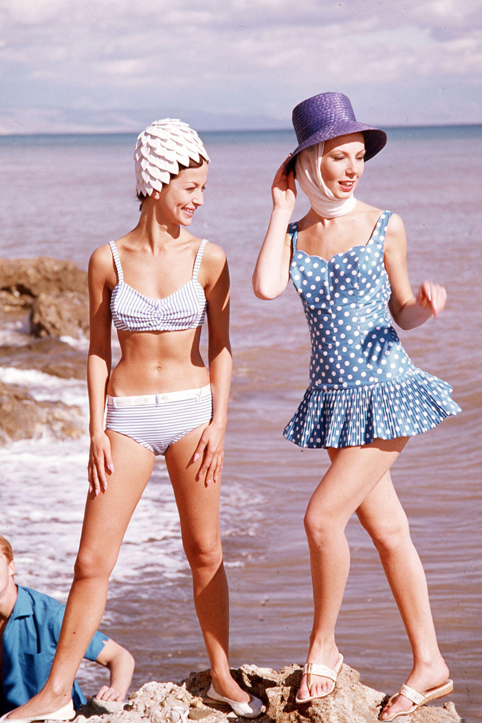 49f0cac073 1963 - HarpersBAZAAR.com 60s Fashion Trends